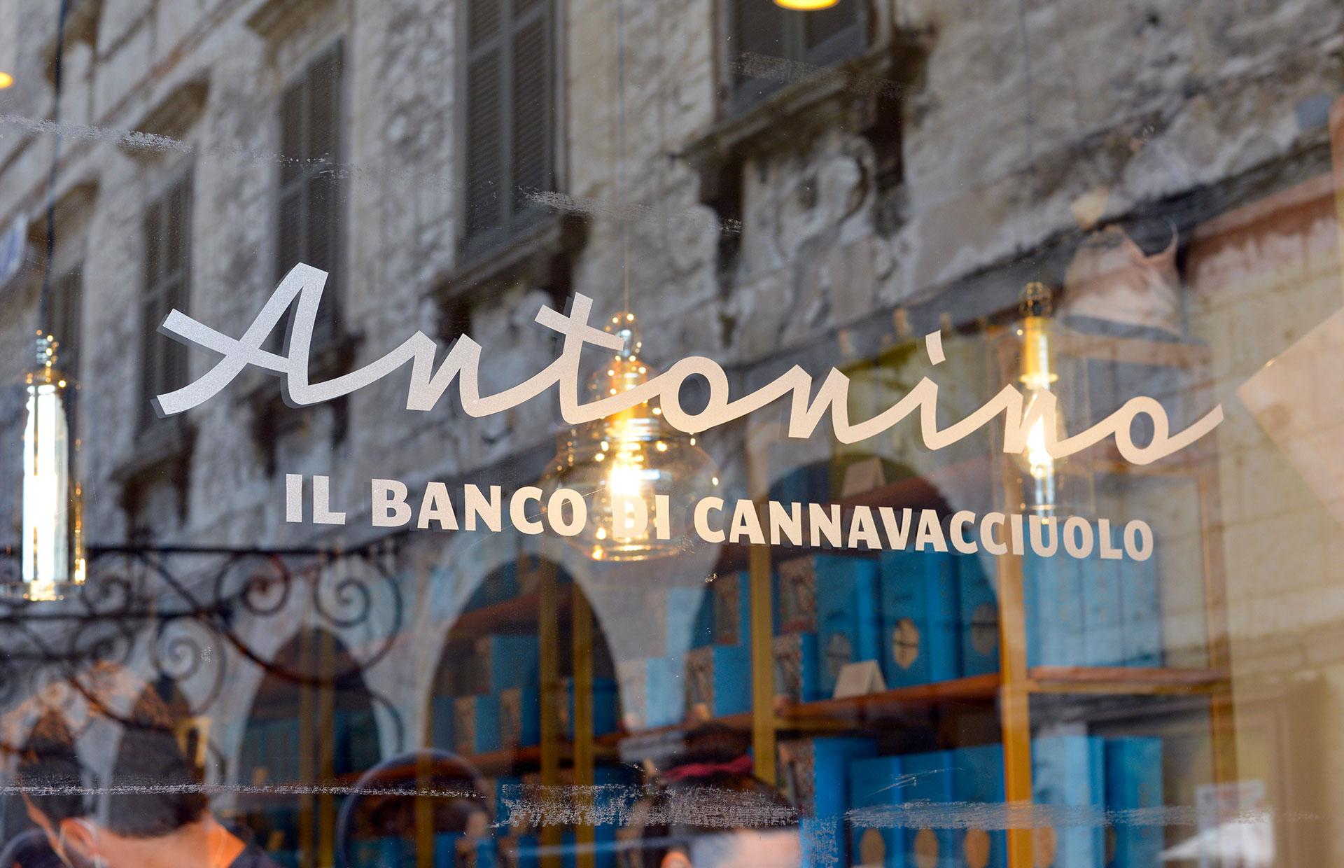 Antonino, il Banco di Cannavacciuolo